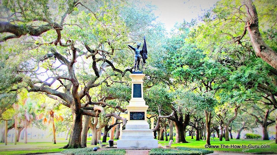 view of Charleston SC Battery Park statue