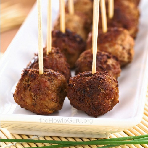 These are the EASIEST, low carb meatballs (dairy and gluten free) homemade meatballs ever. AND they are ready in 20 minutes flat?!!