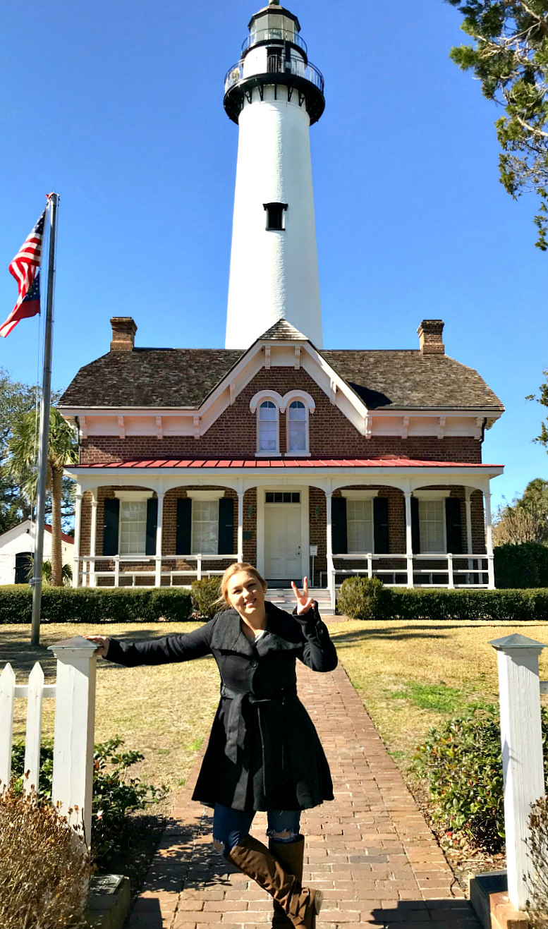 BEST things to do on St Simons Island with older kids and teens - St Simons Island Lighthouse