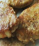 fried pork chops close up & how to cook pork chops