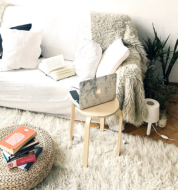 Winter Decor: How To Create Cozy After Christmas Is Gone & You're Broke