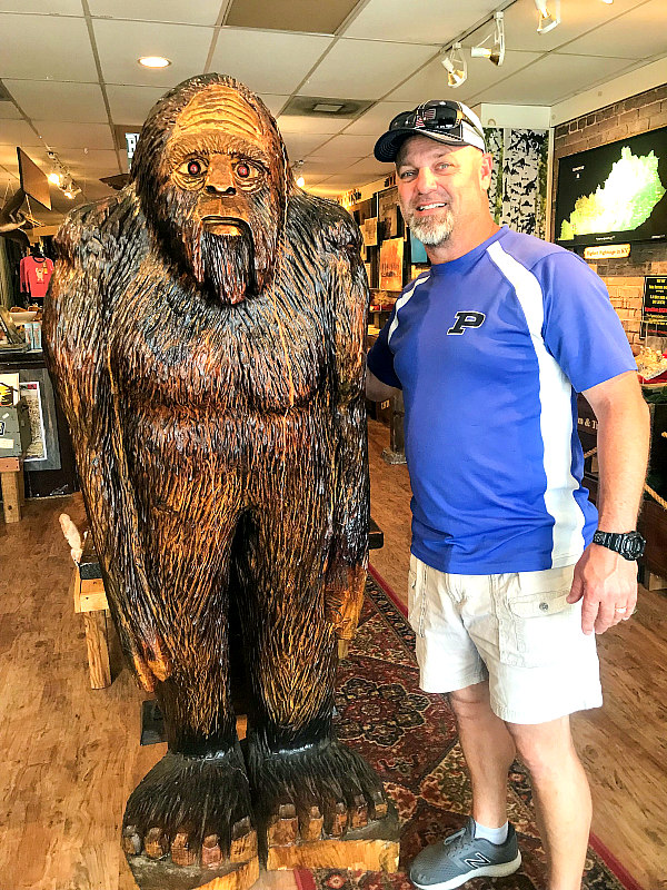 Blue Ridge Mountains Store with man and Bigfoot statue